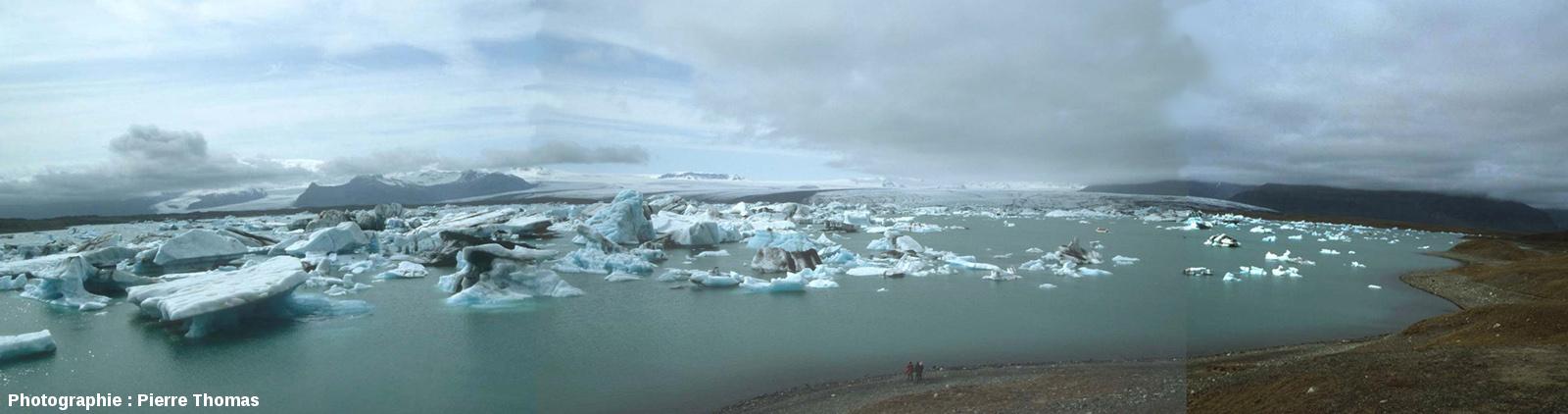 Le Vatnajökull (Islande) se jetant dans le Jökulsarlon