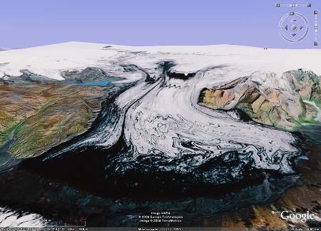 Une langue glaciaire s'échappant de la calotte principale du Vatnajökull (Islande)