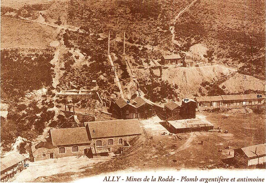La mine de la Rodde (Ally, Haute Loire) pendant la période d'activité, peu avant 1905