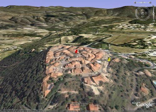 Le village du Castellet (Var), avec localisation de la fontaine et des remparts sous lesquels affleure le calcaire à rudistes