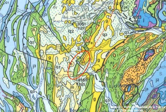 Extrait de la carte géologique de la France (BRGM) au 1/1 000 000 montrant l'anticlinal cisaillé de la Petite Balme, Sillingy (Haute Savoie)