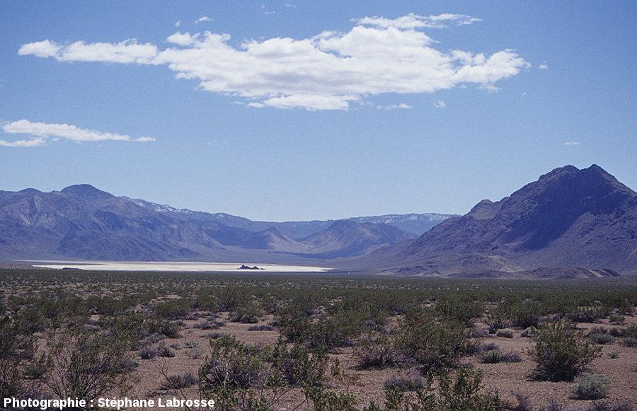 Contexte morphologique de Racetrack Playa, paysage caractéristique des Basins and Ranges de Californie et du Nevada