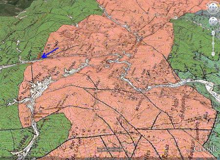 Localisation des figures 6 à 8 (flèche bleue) sur la carte géologique BRGM/Google Earth