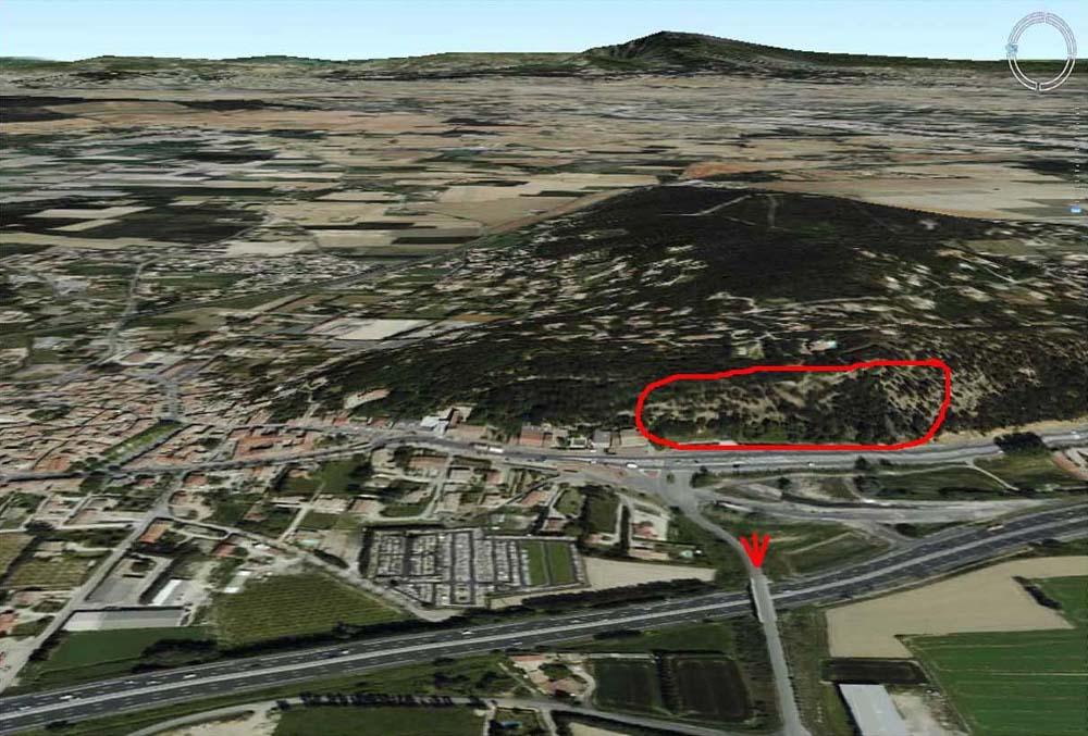 Le site des prises de vue (patte d'oie rouge) et l'emplacement des falaises de Piolenc (cadre rouge)