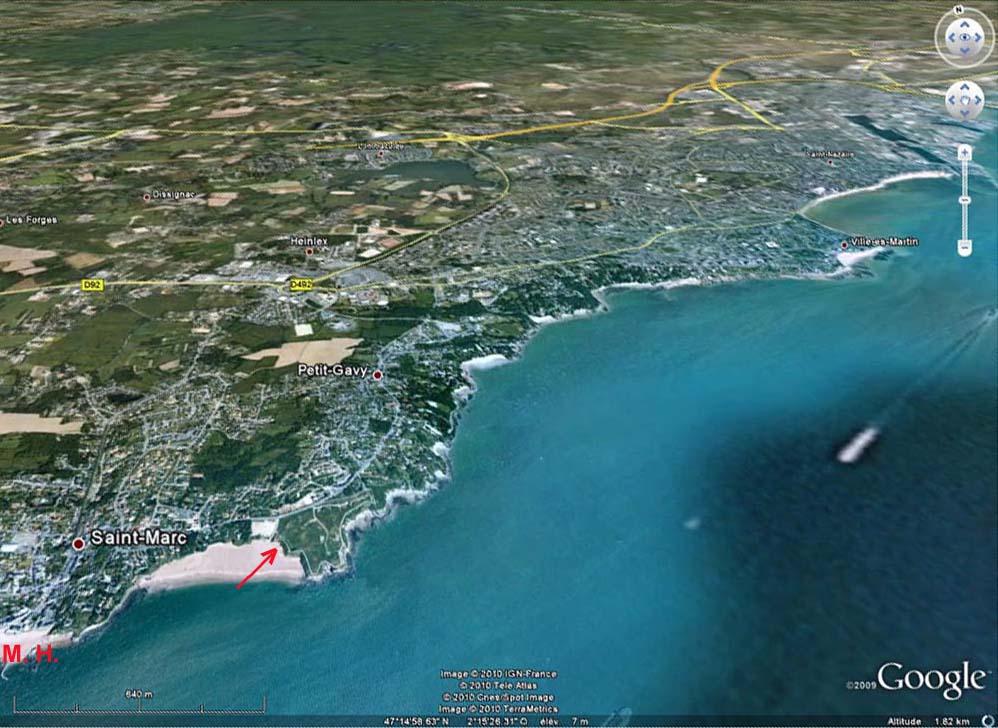 Localisation de la plage de la Courrance et de son granite (flèche) sur une vue Google Earth
