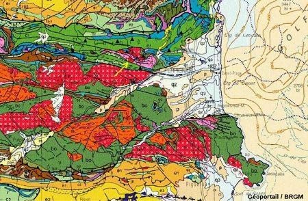 Extrait de la carte géologique de France au 1/1000000 montrant la position du granite (charnokite) d'Ansignan