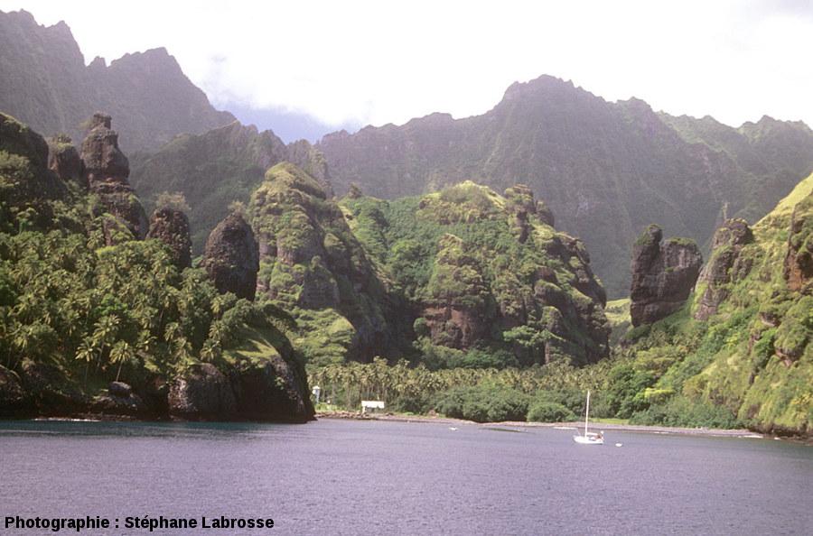 Le fond de la Baie des Vierges, île de Fatu Hiva (Polynésie Française)