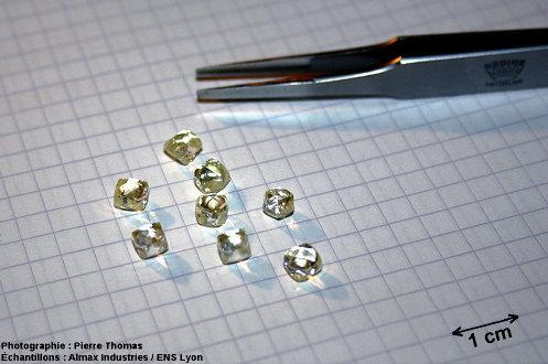 Lot de 8 diamants bruts naturels