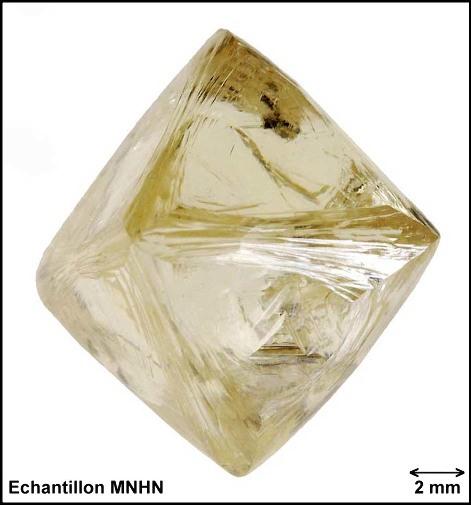 Le diamant brut 88-87, collection du MNHN