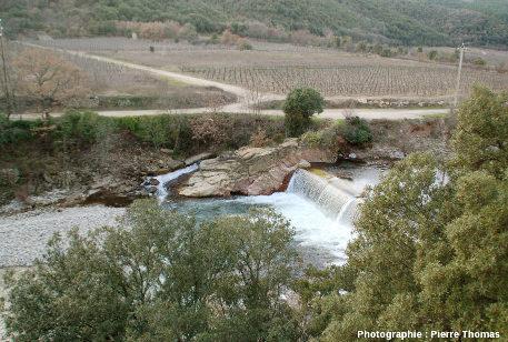 Le lit de la Mare, Pont de Saint Men, bord de la route D 922, Le Pradal, Hérault