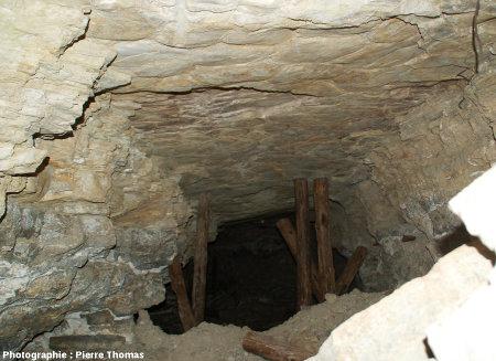 Galerie d'une ancienne mine de la région de Millau