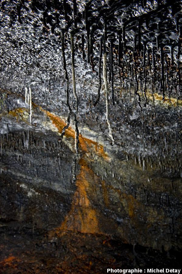 Tunnel de lave de Árnahellir (Islande), découvert en 1985