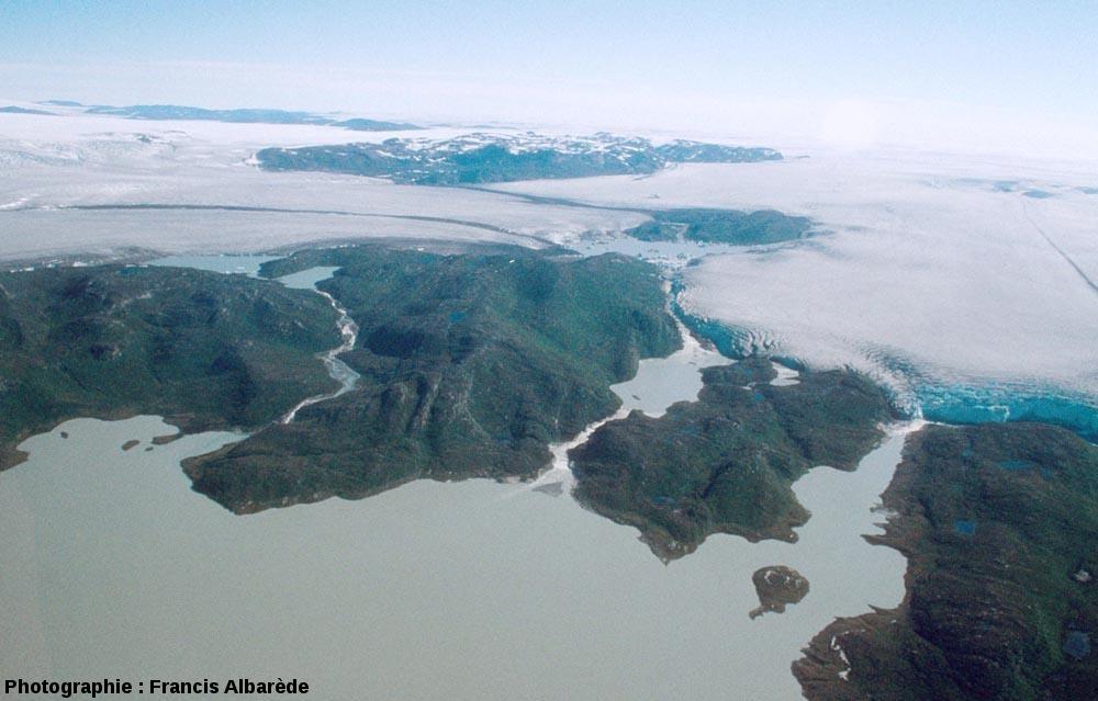 Image aérienne d'un secteur de la périphérie de la calotte glaciaire groenlandaise