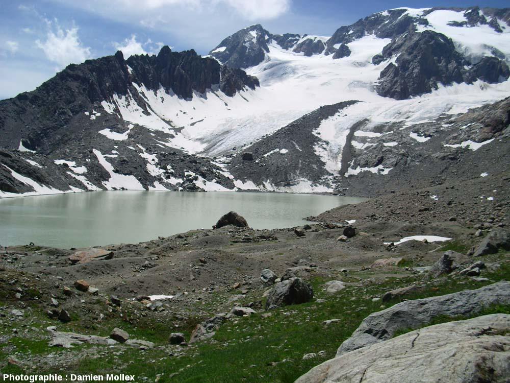 Le lac des Quirlies et le glacier des Quirlies, juste en amont, Massif des Grandes Rousses, Isère