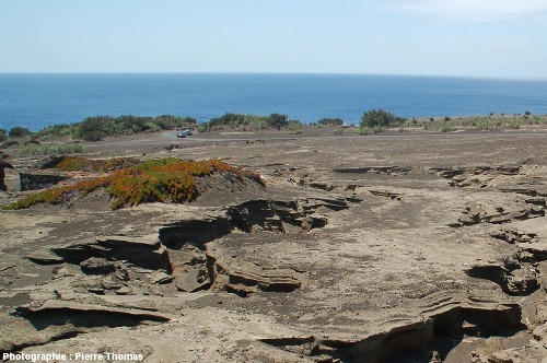Érosion des cendres émises par le volcan Papelinhos en 1957-1958, île de Faial, Açores