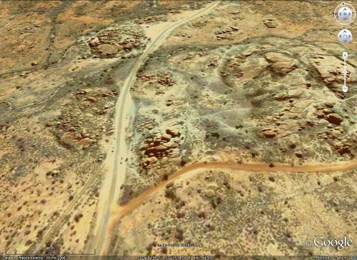 """Boules et chaos granitiques de la """"Devils Marbles Conservation Reserve"""", Australie"""