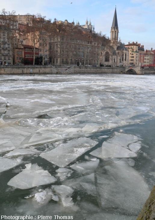 La Neva à Saint-Pétersbourg? Non, la Saône à Lyon le 13 février 2012, en aval de la Passerelle Saint Georges