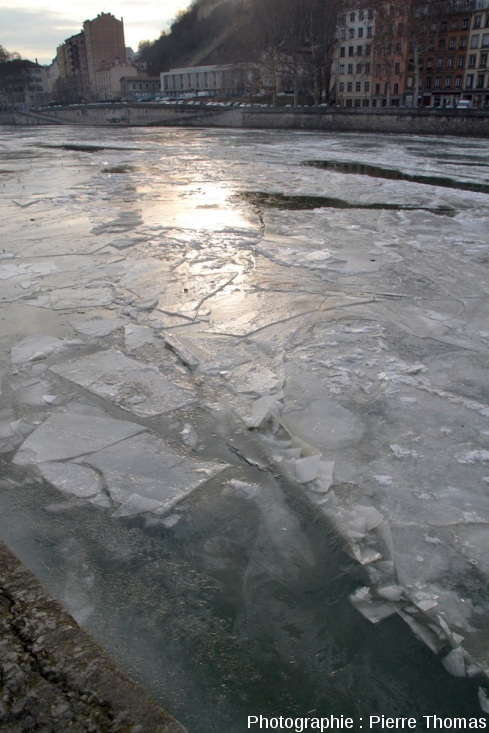 Secteur de la Saône où des plaques de glace se sont déplacées les unes par rapports aux autres