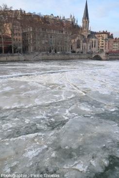 Plaques de glace avec « rides » compressives sur la Saône