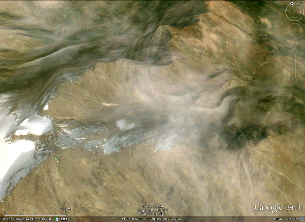 La crête du Lauzas vue vers le Nord pendant l'été 2010