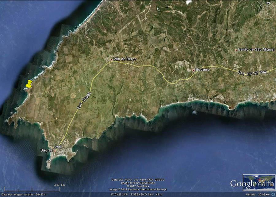 Localisation de la petite pointe où l'on voit la discordance hercynienne (punaise jaune), 3km au NNE du Cap Saint Vincent, Sagres, Portugal