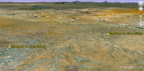 Vue sur les inselbergs granitiques de Klein Bolayi et des Three Sisters, Afrique du Sud