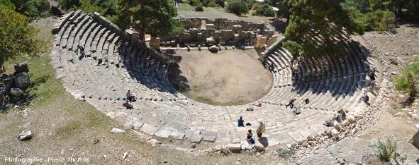 Vue plus globale du théâtre antique d'Arycanda (Turquie)