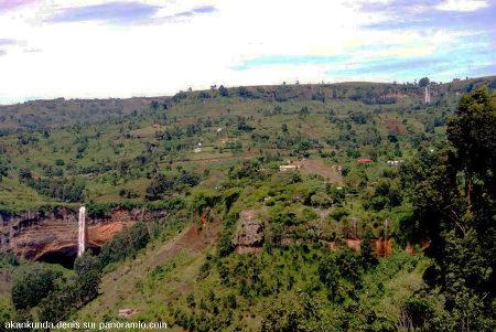 Vue sur le secteur des Sipi Falls, flanc Nord-Ouest du Mont Elgon, Ouganda