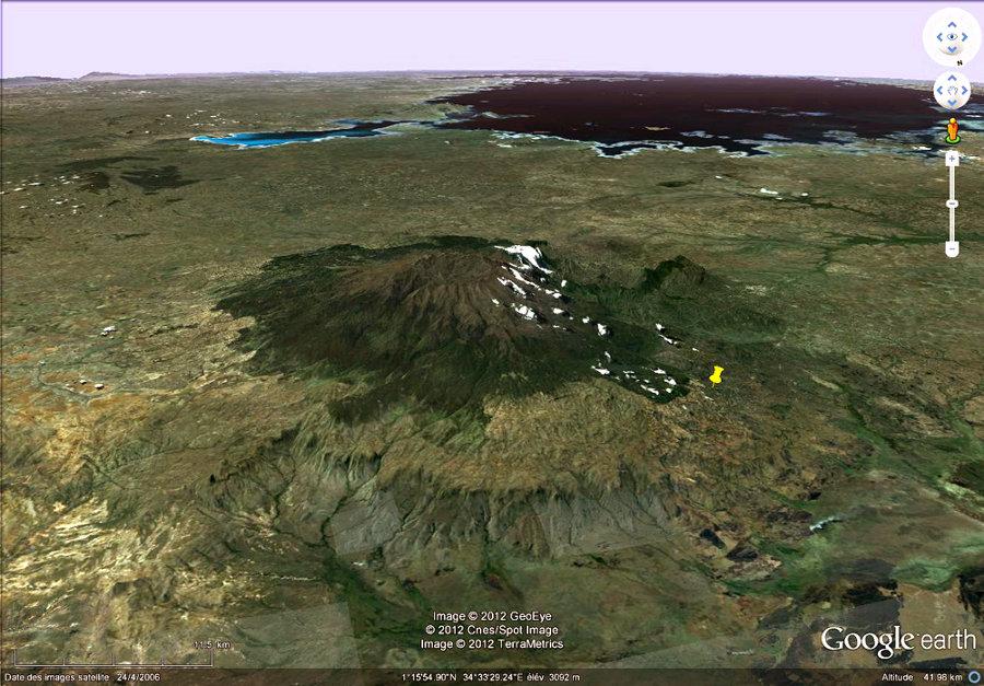 Le Mont Elgon à la frontière Ouganda (à droite) / Kenya (à gauche)