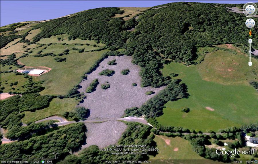 Vue Google earth du clapas de Thubiès et de la route qui le traverse