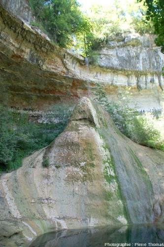 Le Pain de Sucre de Pyrimont, commune de Surjoux (Ain)