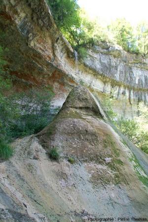 Le Pain de Sucre de Pyrimont (Surjoux, Ain), vu depuis le Sud-Ouest