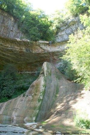 Reculée et Pain de Sucre de Pyrimont (Surjoux, Ain), vu par l'Est