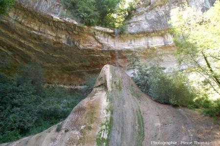 Vue sur le Pain de Sucre de Pyrimont (Surjoux, Ain) vu par l'Est