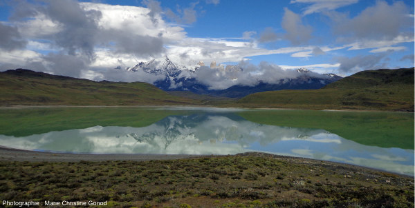 La Laguna Amarga et le massif de Torres del Paine, Patagonie du Sud (Chili)