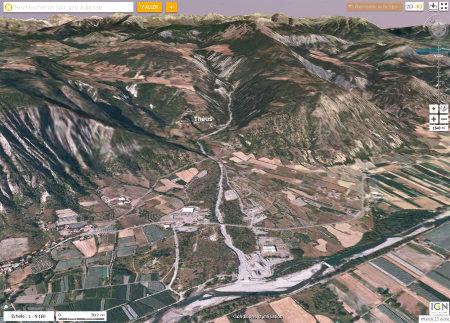 Vue vers le Nord montrant l'ensemble du système torrentiel de Théus (Hautes Alpes)