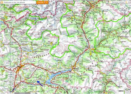 Localisation de la «Salle de bal des demoiselles coiffées» (flèche bleue) de Théus, Hautes Alpes