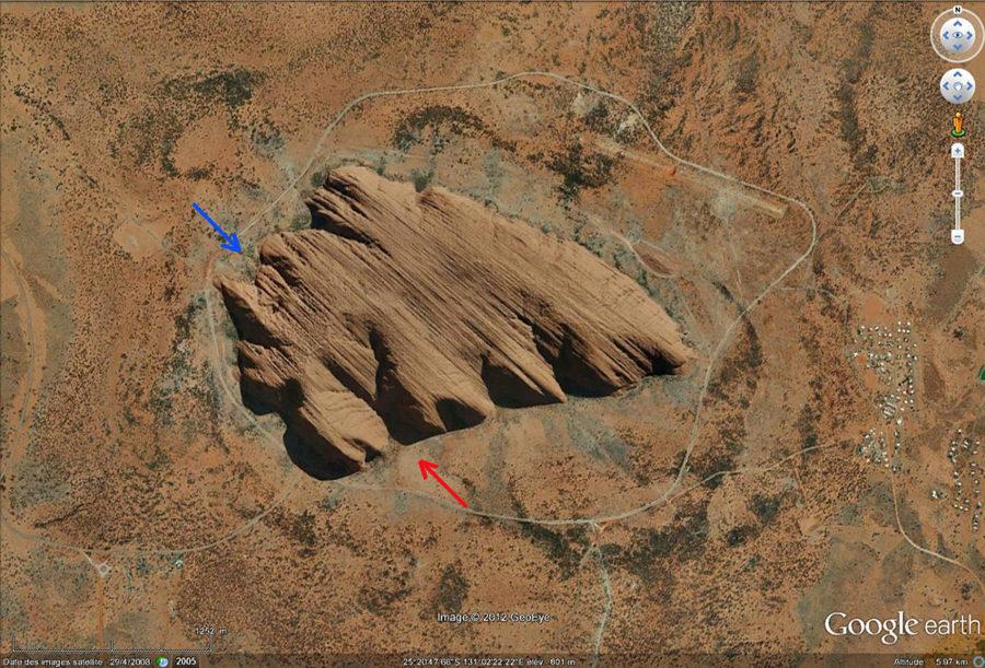 Image verticale Google Earth d'Uluru