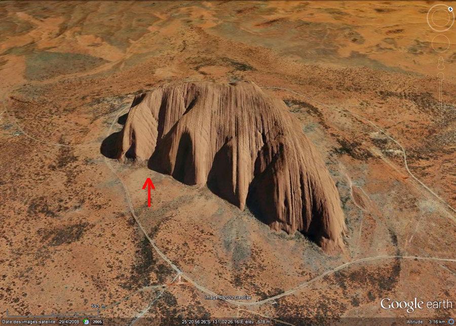 Image oblique Google Earth d'Uluru