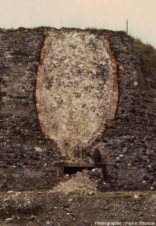 Détail de l'un des fours à chaux d'Aubière