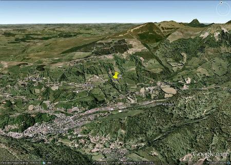 Vue aérienne montrant la situation de l'affleurement (punaise jaune)