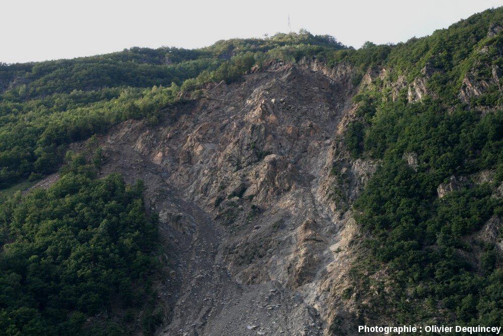 Partie sommitale des Ruines de Séchilienne, vallée de la Romanche (Isère)