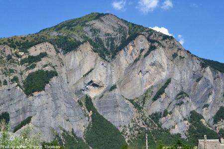 Vue de la partie Ouest de la paroi située en face de La Paute, Isère