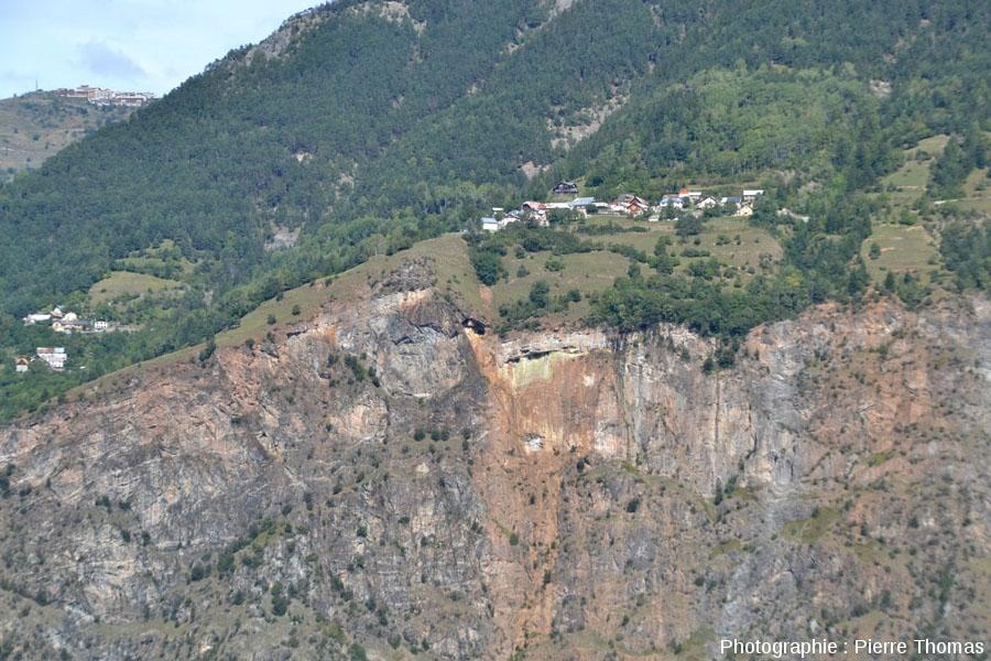 Les Rochers d'Armentier (La Garde, près de Bourg d'Oisans, Isère)