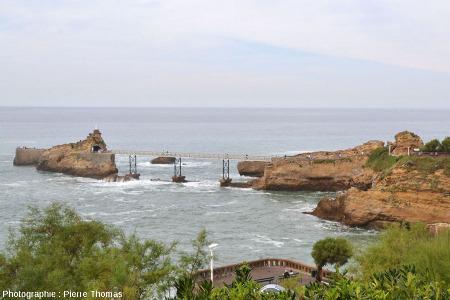 Le rocher de la Vierge et sa passerelle d'accès, Biarritz