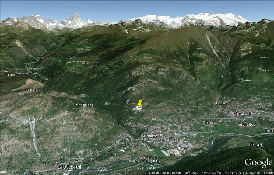 Vue globale sur la ville de Chatillon, dansle val d'Aoste (Italie)