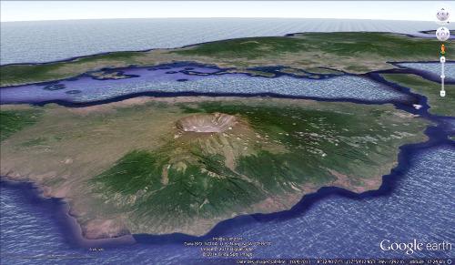 La caldeira du Tambora (île de Sumbawa, Indonésie), qui s'est faite lors de l'éruption de 1815
