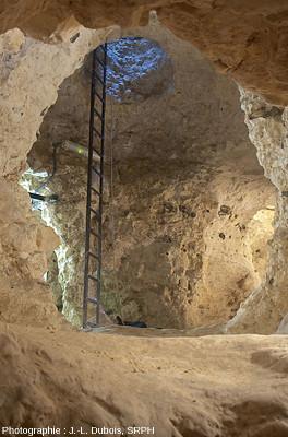 """Une """"grande"""" galerie d'une autre minière de silex de la région de Spiennes (Belgique)"""