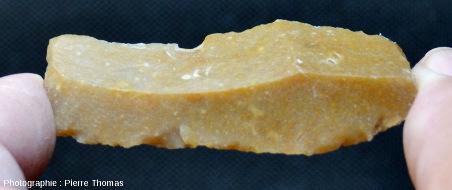 Petite lame de silex provenant de la région du Grand Pressigny