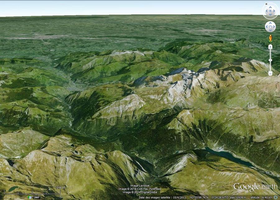 Vue éloignée du versant Sud-Ouest du massif du Pic de Ger